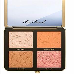 NEW Too Faced - Sugar Peach Face & Eye Palette